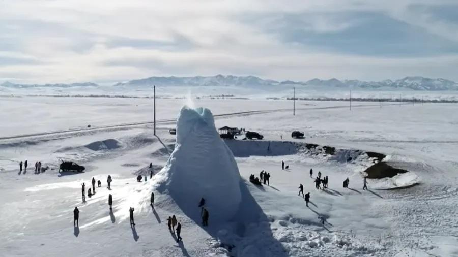 Csodálatos jégvulkán Kazahsztánban